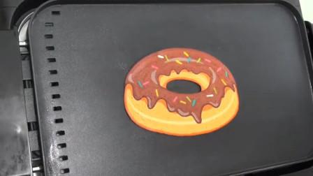 想吃汉堡披萨没钱买怎么办?找个牛人给你画个,还赠送甜甜圈热狗