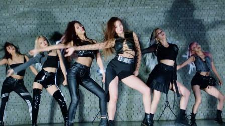 中韩女团Everglow帅气性感新歌Adios,新皮裤长靴洗脑枪击舞