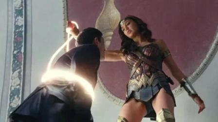 最美最性感的超级英雄救属她了, 12秒干死一群劫匪更是帅爆了!