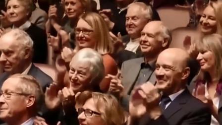 中国古筝一响起,外国观众听惊讶了,结束后台下掌声雷动!