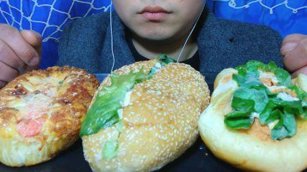 吃冰冻热狗面包,听不一样的咀嚼的声音!