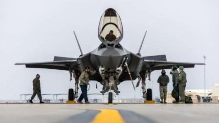 F22战斗机实力爆表,美国最后为何却选了F35?