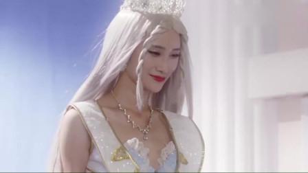 舞法天女:圣特工向女王汇报工作,中途突然犯二,样子好逗