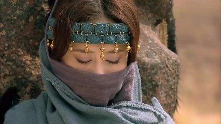 古装:沙漠大王要把烧死美女,用她祭拜上天,时辰刚到意外发生了