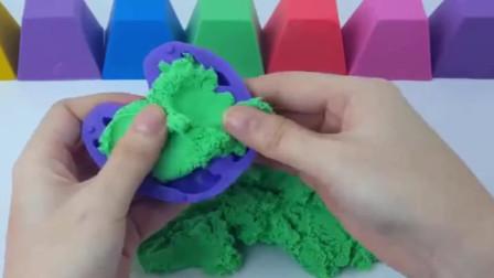 如何用彩虹沙手工制作螃蟹
