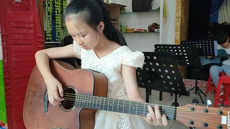 戴清同学学习吉他视频《两只老虎》