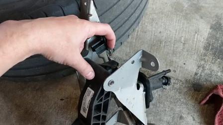 Focus福克斯ST离合器踏板总成拆卸与安装