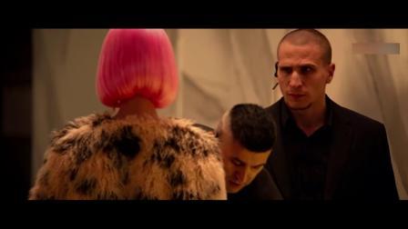 机器之血:小伙男扮女装太惊艳,守卫:下次换我来搜身,笑喷了