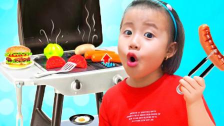好美味!姐姐对萌宝小萝莉做的食物还满意吗?趣味玩具故事