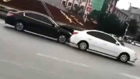 司机带胰岛素泵火车站前连撞多车 警方:有明显嗜睡现象