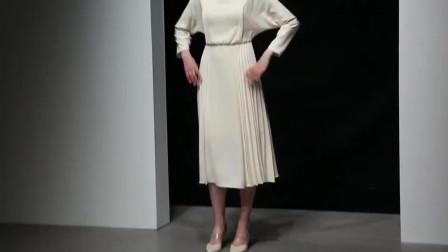 2019新款秋装欧美时尚气质一字领蝙蝠袖收腰显瘦压褶大摆连衣裙