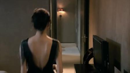 伦理剧:女老板的裙子拉链开了,让男秘书帮忙,男秘书一下子搞定