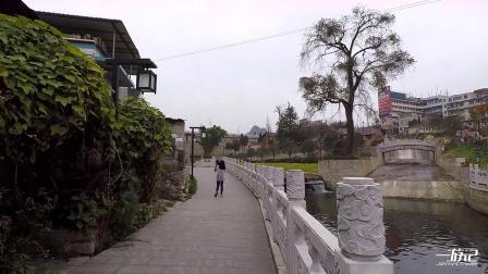 贵州安顺:去虹山湖公园,先穿过一段老街区,很有地方特色