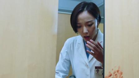 急诊科:美女进厕所,竟然听见婴儿哭声,打开厕所门一看立马慌了