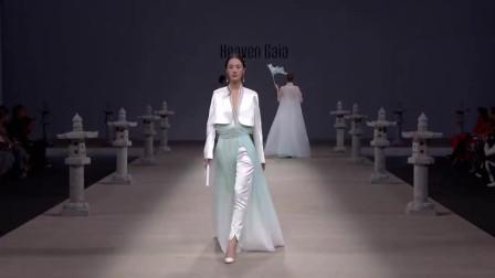 时装秀:浓郁的中国风时装秀,清新淡雅,还是中国美女穿更有感觉!