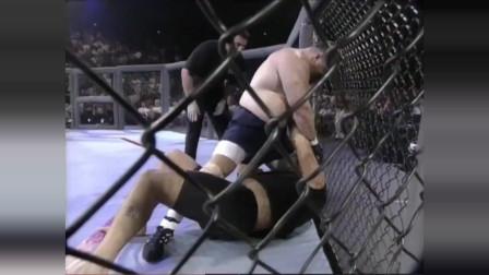 ufc视频 早期的UFC是没有规则 不戴拳套 不分重量 无限接近于实战