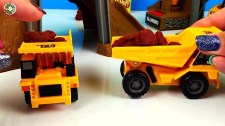 儿童挖掘机和翻斗自卸车玩具,装卸橡皮泥玩具真棒