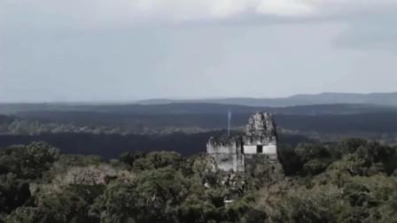 外国游客在山顶拍下的珍贵UFO画面,网友:比科幻片还精彩!