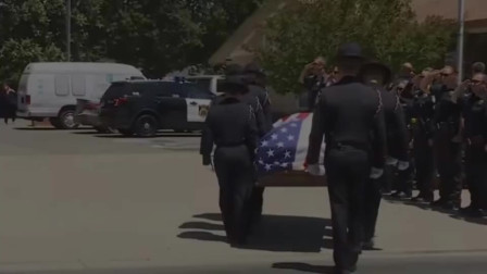 美国警察遭嫌犯伏击身亡,镜头拍下生前最后画面!