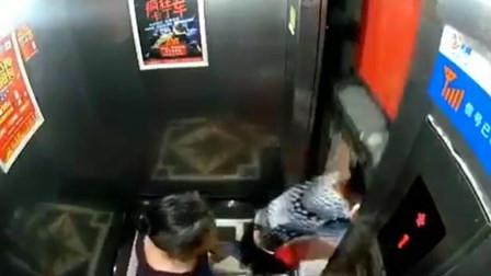 电梯门突发故障 女子侥幸从缝隙中窜出