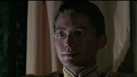 《末代皇帝》的导演虽然是意大利人,但因为他党员所以当时能够故宫实景拍摄