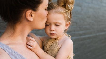 孩子胆小懦弱内向,有时是因为父母的这些举动,父母自己还不知道