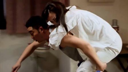 撒糖:美女不让丈夫碰她,不料丈夫用了这一招,美女跳到他怀里!