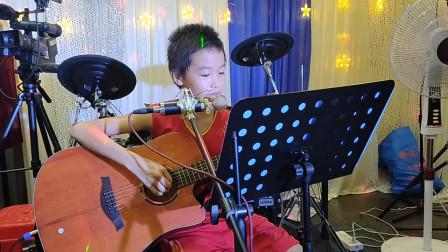 张嘉毅同学学习吉他视频《两只老虎》