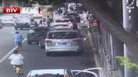电子警察街巷站岗  紧盯违法停放车辆 首都经济报道 20190822