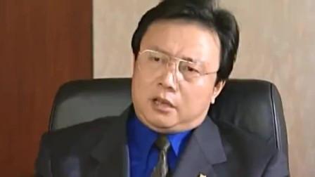 黑老大张世豪被抓,律师竟告诉他妻子,只要张世豪能回香港就有救