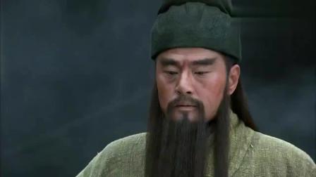 新三国演义:关羽温酒斩华雄,豪气冲天,各路诸侯立马对他另眼相看!