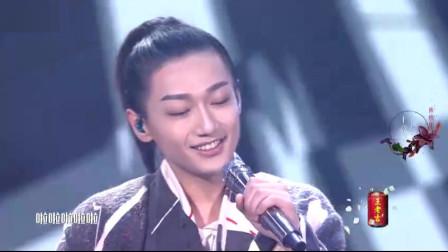 王竟力挑战古风唱跳,一曲《沧海一声笑》画面好美,杨幂欣慰笑了