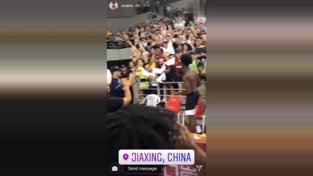布朗尼自己都不知道,在中国竟然有这么多疯狂的粉丝