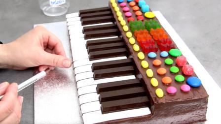 DIY钢琴蛋糕你见过吗?真是太逼真了!