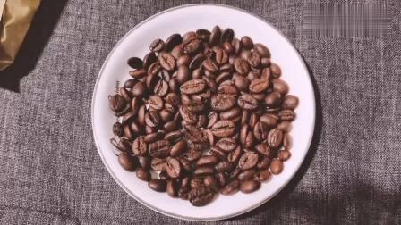有一种咖啡豆叫猫屎咖啡,没错,就是猫吃完排泄出来的咖啡豆