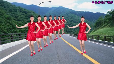 励志老歌广场舞《潇洒走一回》唱出人生真理 豪迈大气
