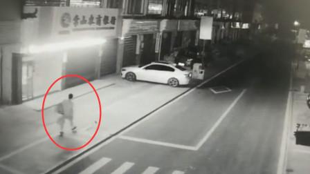 男子为见女网友盗窃凑钱 发现是39岁女子怒砸20车