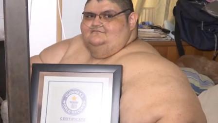 """世界上最""""胖""""的男人,体重高达1120斤,竟还有个天仙女友?"""