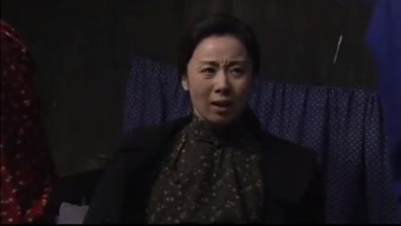 农村剧:妇女动了胎气,两口子临时充当接生人员,条件太简陋了