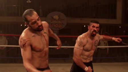 阿金斯飞身转体连环踢猛暴了,使他转败为胜。