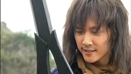 风云:美女想抢夺绝世好剑,没想到它太锋利,手中宝剑被砍碎了