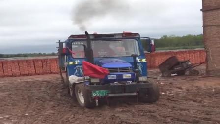 中国自主研发的拖拉机,发动机太强劲了,值得点赞!