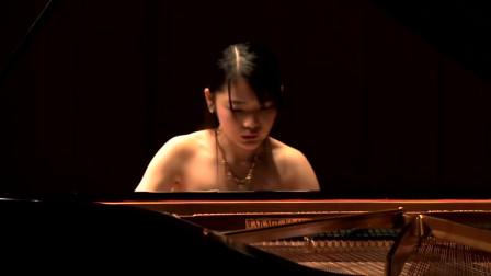 柴可夫斯基作品:《花之圆舞曲》,日本美女演奏家演奏