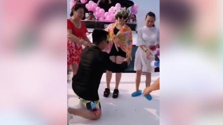 赵本山爱徒在游艇派对上向丫蛋求婚 两人均离过婚