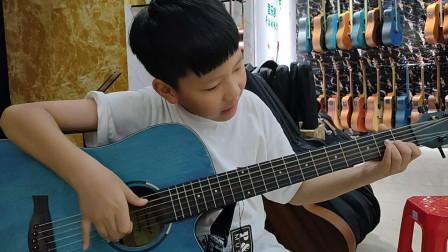何志贤同学学习吉他视频《兰花草》