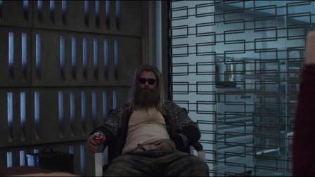 超级英雄会议,雷神被说是死人,有听清楚是谁说的吗?