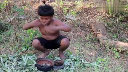 农村小弟在野外做美食 煮贝壳吃 看他吃得真香