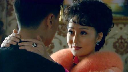 末代皇帝传奇:皇后大白天锁着门,溥仪进去一看床单,立马意识到有问题