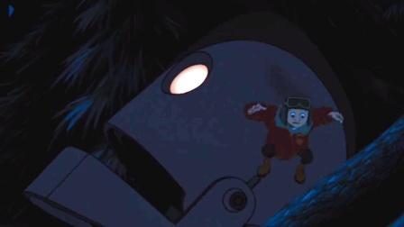 还好大妈早来一步,不然熊娃就被怪物吃掉了