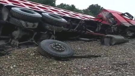 又是一辆刹车失灵的大货车,后轮都干掉了,太惨了!